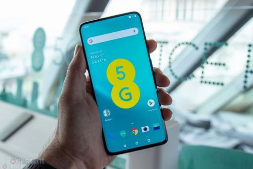 EE's stack of Black Friday deals lets you save big on iPhone, Samsung, Google and SIM-only contracts