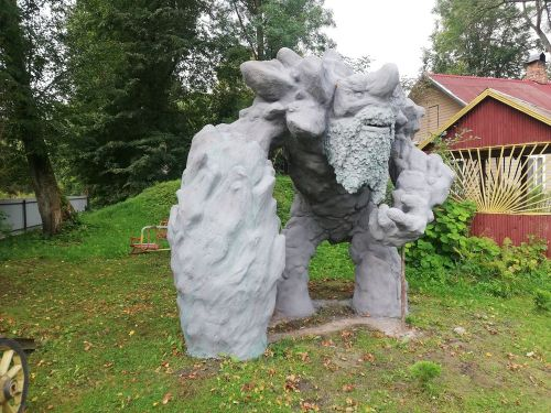 This statue of Tiny from Dota 2 is life size