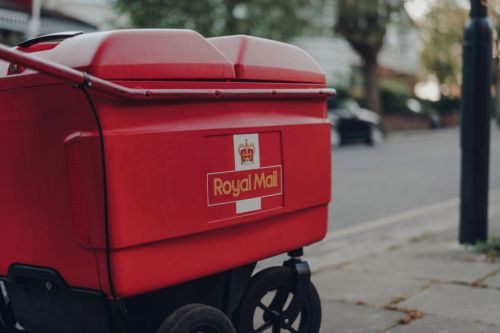 Royal Mail to hire 33,000 temporary staff over festive period