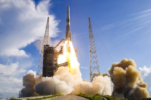 """Five more Delta 4-Heavy flights in ULA backlog after final """"single stick"""" launch"""