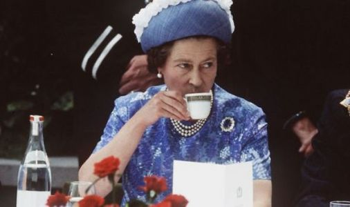 Queen Elizabeth II tea: How to make the Queen's perfect cup of tea - expert