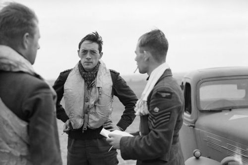 Hero pilot's WW2 diary enthralled Brits but he died without anyone knowing name