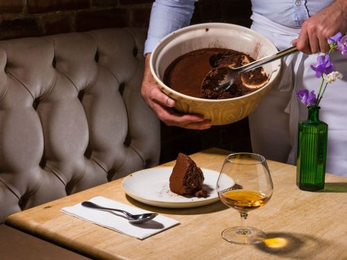 Hoxton Bistro Famous for Its Gigantic Bowl of Chocolate Mousse Has Closed