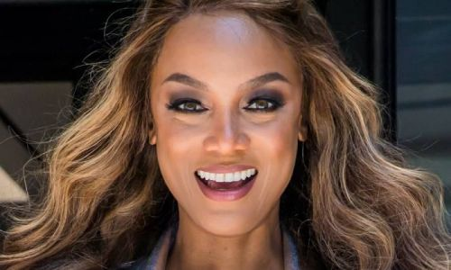 Tyra Banks' unbelievable physique wows fans as she poses in hot pants in nostalgic photo