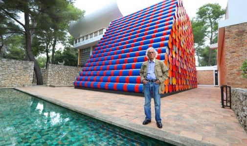 Christo death: Artist behind Hyde Park installation and Reichstag wrapping dies aged 84