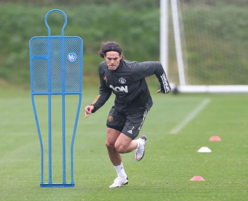 Edinson Cavani & Harry Maguire left out of Manchester United squad to face PSG