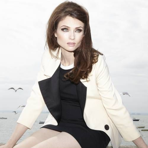 Sophie Ellis Bextor felt 'very awkward' being a mother and a pop star
