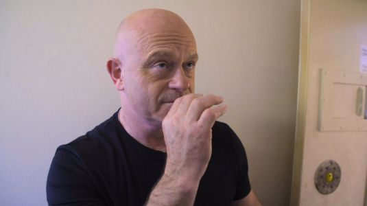 Ross Kemp fans crack up at 'TV gold' as he accidentally inhales drug Spice at HMP Belmarsh