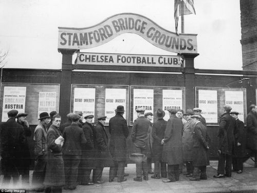 : Travel through time in this excellent Chelsea Stamford Bridge throwback