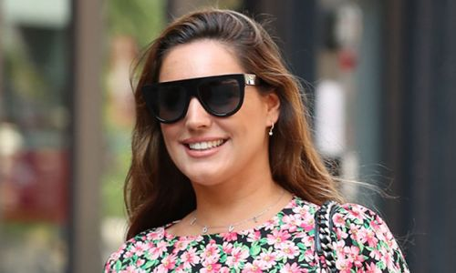 Kelly Brook's floral Mango blouse is perfect for summer - and it's on sale