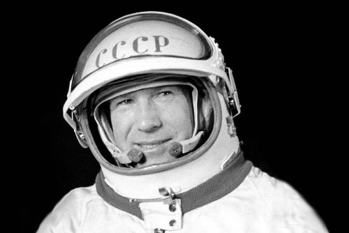 Alexei Leonov, world's first spacewalker, dies