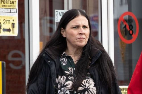 Woman, 40, who had 'al fresco' sex with stranger on pavement is fined £230