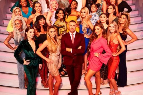 Take Me Out fans can now book romantic holidays to the Isle of Fernando's