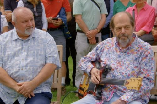 Guitar once owned by The Beatles valued at £400,000 on Antiques Roadshow