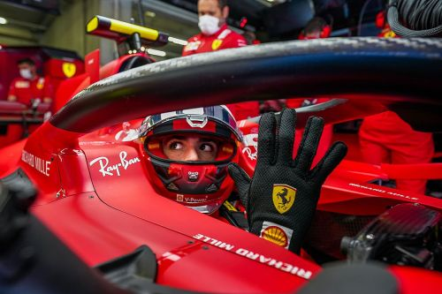 Sainz on life at Ferrari: Signing his contract in his pyjamas, nervous fans and his breakthrough
