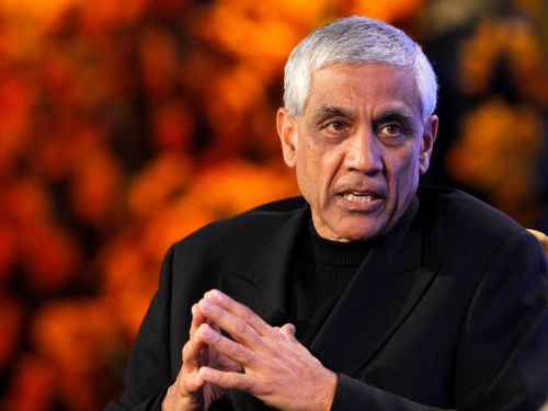 Billionaire investor Vinod Khosla says healthcare's biggest problems can be solved with AI. Here's his vision for 2030's healthcare system