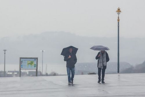 UK weather forecast - Temperatures to plummet as cold snap hits with 50mph winds