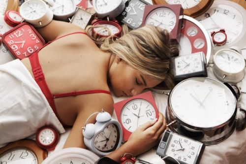 Do the clocks go back or forward this weekend and at what time?