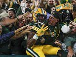Aaron Jones: NFL player loses father's ashes scoring a touchdown for Green Bay Packers