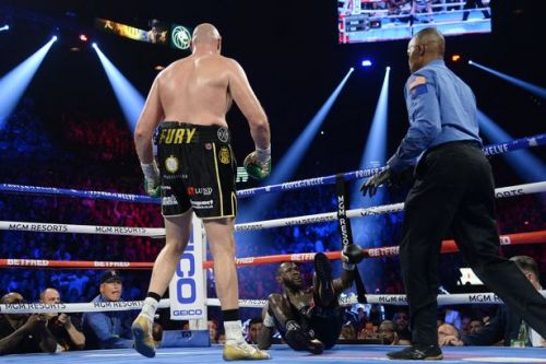 Tyson Fury beats Deontay Wilder to become heavyweight world champion