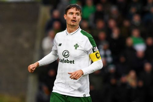 Celtic defender Mikael Lustig hints he's ready to sign new Parkhead contract