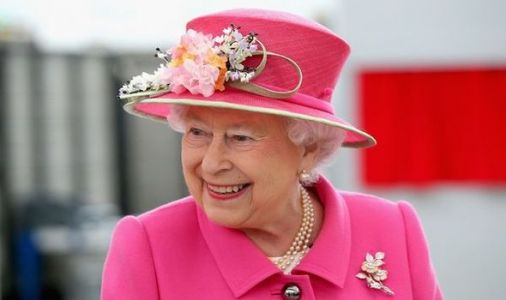 Queen cracks hilarious joke as RAF sniper reveals UNBELIEVABLE lockdown hobby