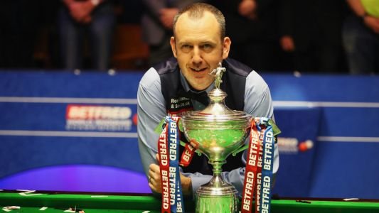 Sport shorts: three-time world champ Mark Williams 'hates' snooker, Jos Buttler is a doubt for Test, Thanksgiving feast for NFL fans