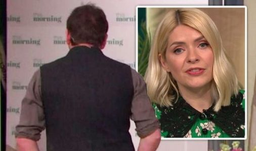 'He's walking off' James Martin shakes his head in dismay over Holly Willoughby comment