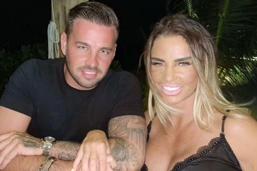 Katie Price 'spotted taking first steps' in Maldives after breaking her feet