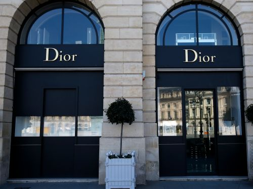 Dior reopened its factory so volunteer artisans can start making hand-sewn masks