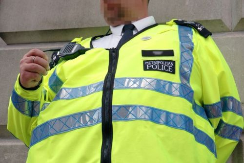 Met Police orders 5,000 pairs of XL trousers for overweight bobbies