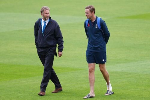 """Stuart Broad reacts after being fined by dad for using """"inappropriate language"""""""