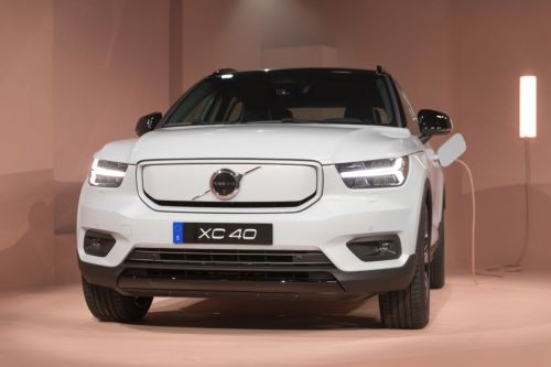 """Volvo's XC40 crossover goes fully battery electric for """"under $48,000"""""""