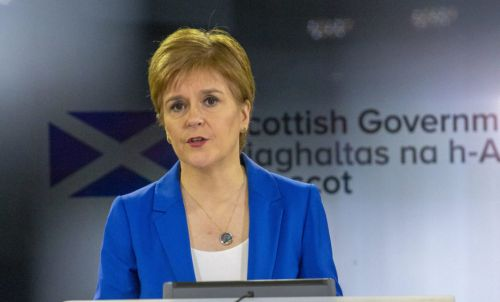 Nicola Sturgeon says Dominic Cummings should apologise to nation for flouting lockdown rules