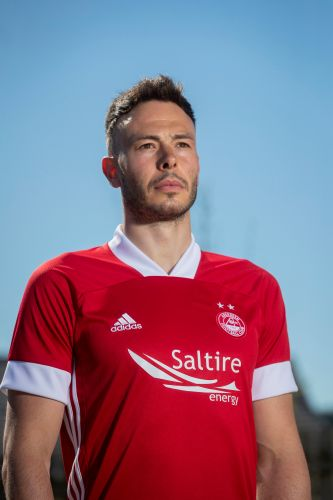 Aberdeen officially unveil new home and away kits