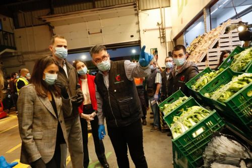 Spain's royals make early morning market visit to show support for food workers