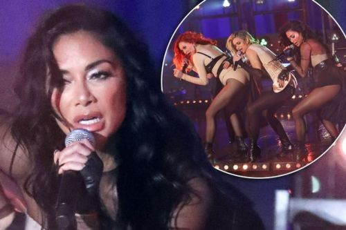 Pussycat Dolls 'embarrassed by tech problem' which saw music start without them