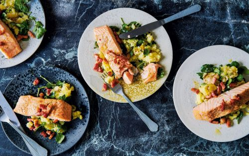 Salmon fillets on crushed potatoes with bacon and spring onion dressing recipe