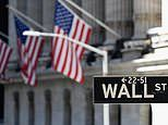 Investors flock to funds with heavy exposure to booming US stocks
