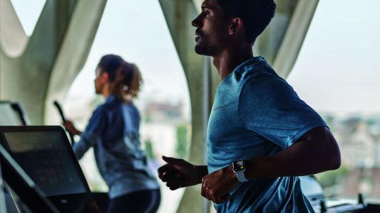 Apple Watch compatible gyms can now reward you with gift cards for working out