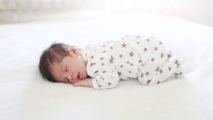 Study finds that new parents lose 44 days of sleep in the first year