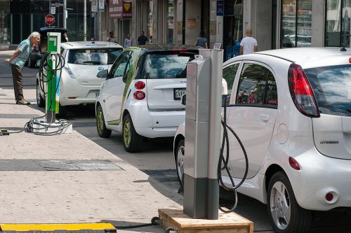 The inevitable transition to electric mobility in India - Will Indian automakers step up?