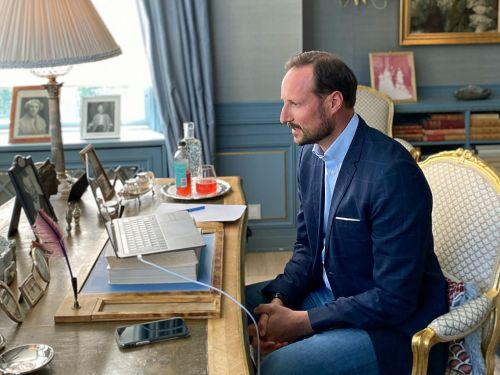Crown Prince Haakon holds talks with Norwegian entrepreneurs