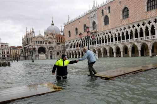 Venice Closes Famed St. Mark's Square Amid New Wave Of Flooding