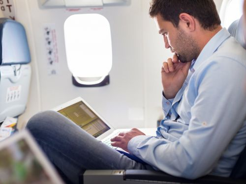 How to have a seamless travel experience on an international flight