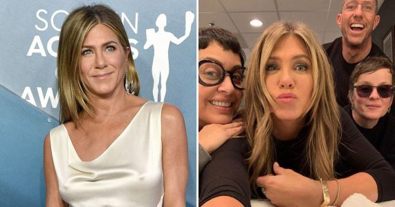 Jennifer Aniston claims she's 'in learning mode' with Instagram and we admire her humble lies