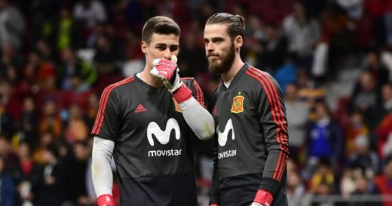 Chelsea goalkeeper could share Spanish number one spot, hints manager
