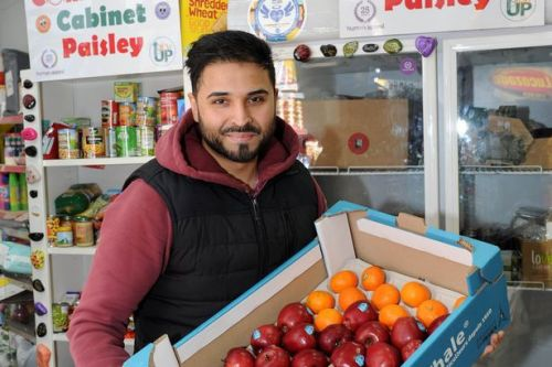 Coronavirus: Paisley shopkeeper reopens his community fridge