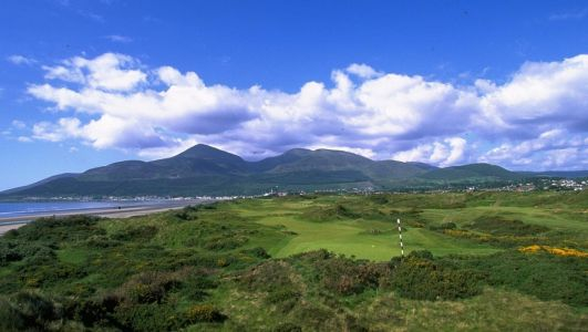 Coronavirus: All golf courses in Northern Ireland ordered to close immediately