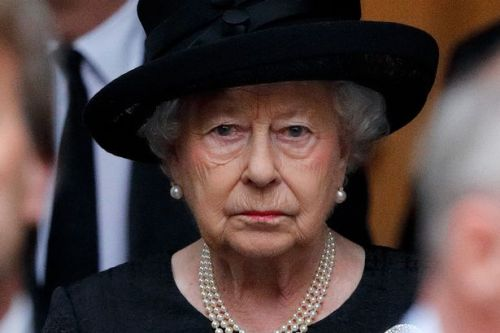 Queen thanks people for their kindness in first message about Philip's death